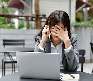 Woman-Experiencing-Effects-of-Stress