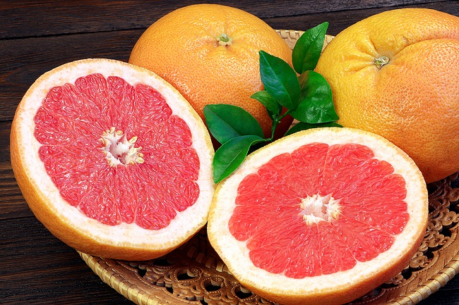 Grapefruits-on-a-Table