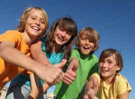 Children-giving-thumbs-up